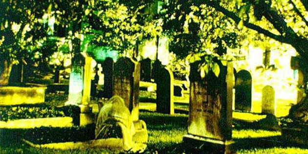charleston_ghost_picture_072010_sue_howard_hardy-xl