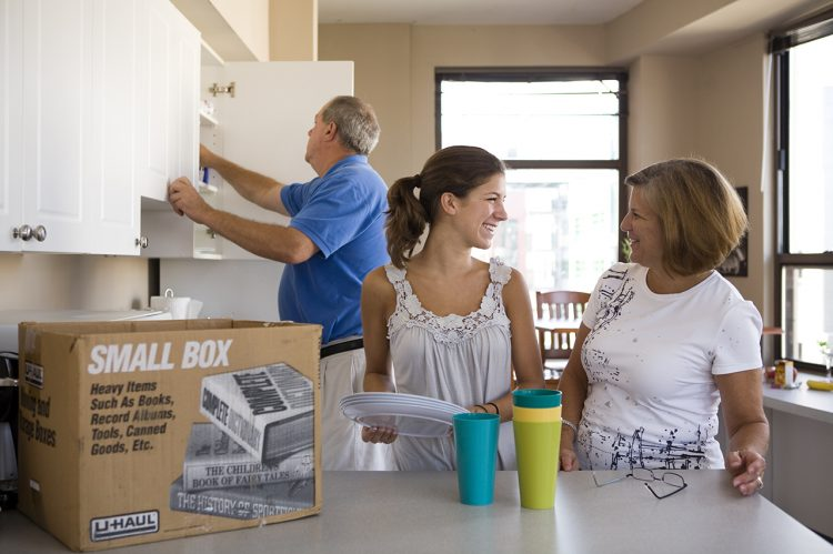 10 Move-In Tips from CofC Parents