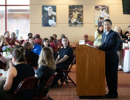 President Hsu Presents Awards at Staff Celebration