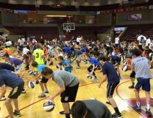 CofC's Chealey, Grant Host Basketball Camps