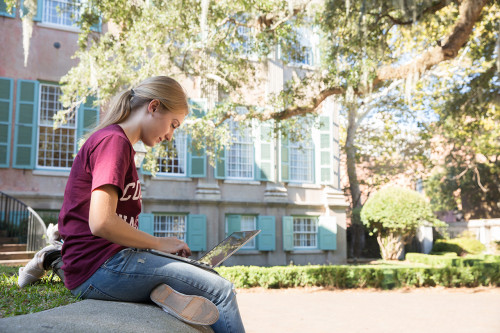 7 Tips to Make Sure You Submit an Awesome College Application