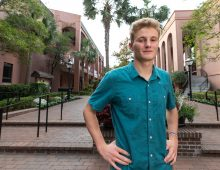 Freshman's Goal: Meet Someone New Every Hour