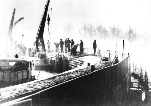Berlin Wall under construction