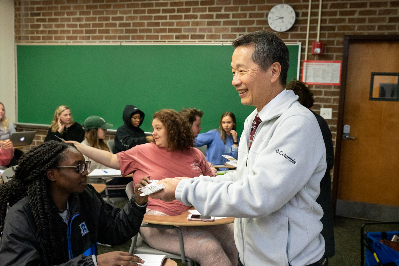On January 30, 2020 The College of Charleston celebrated CofC Day with a full day of events. Early ing the morning President Andrew Hsu visited classrooms in Maybank Hall handing out t-shirts and stickers.
