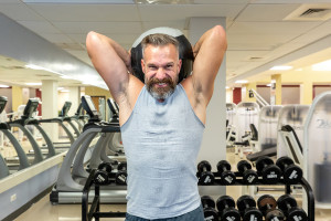 Michael Overholt works out