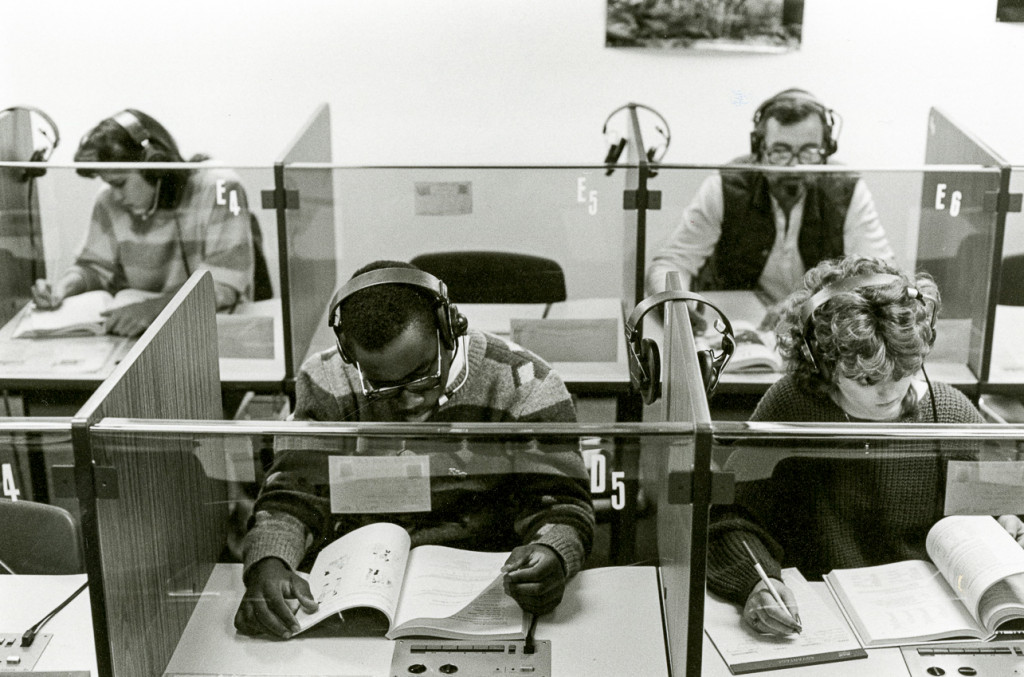 Students in a 1987 language lab.