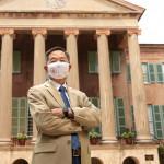 president hsu wears a mask