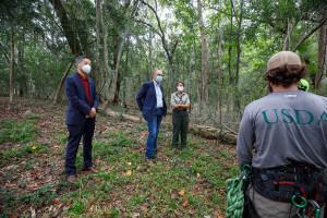 cofc president hsu with usda staff at stono preserve