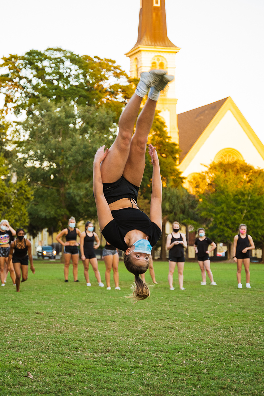 President Hsu visits CofC cheerleading practice in Marion Square.