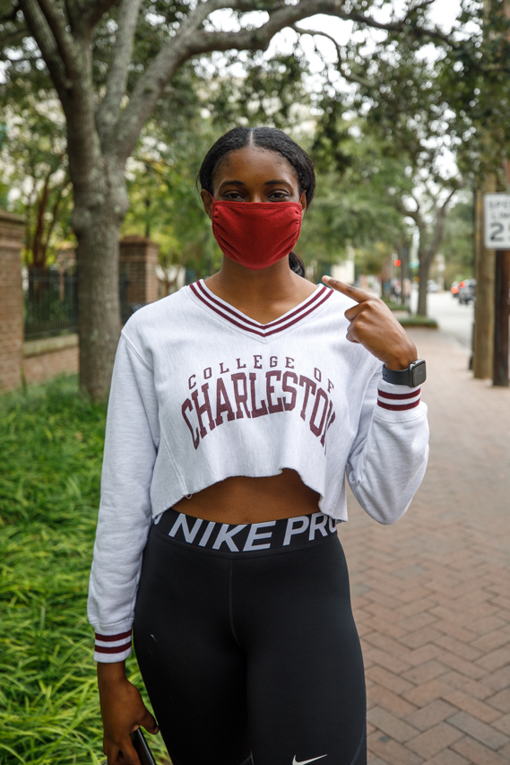 CofC Student wears a mask.