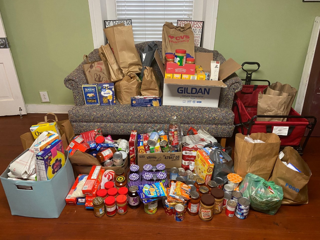 Cougar Pantry Donations