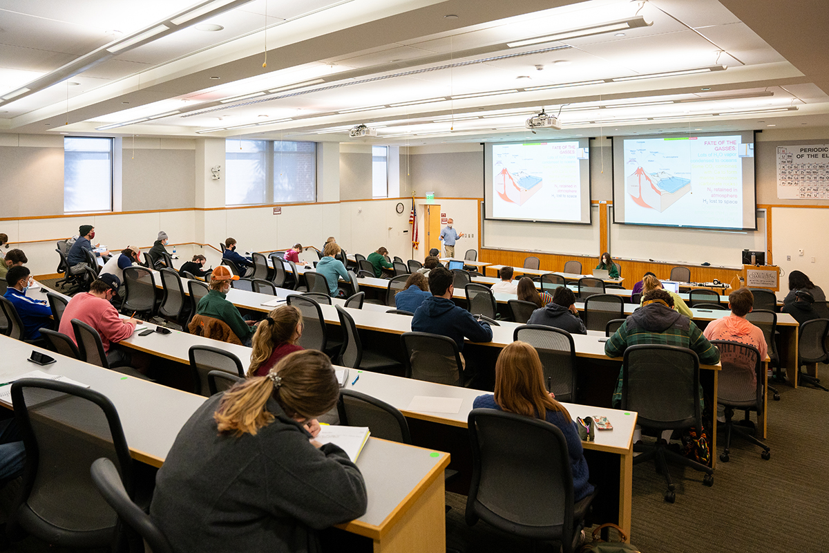 Dr. John Chadwick leads a Geology 105 class in the School of Sciences & Math building.