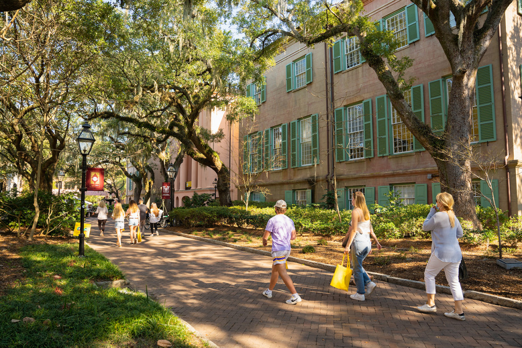 students tour the campus during the spring 2021 semester
