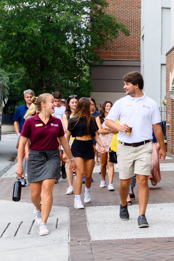 Fall 2021 new CofC students visit the campus with their parents.