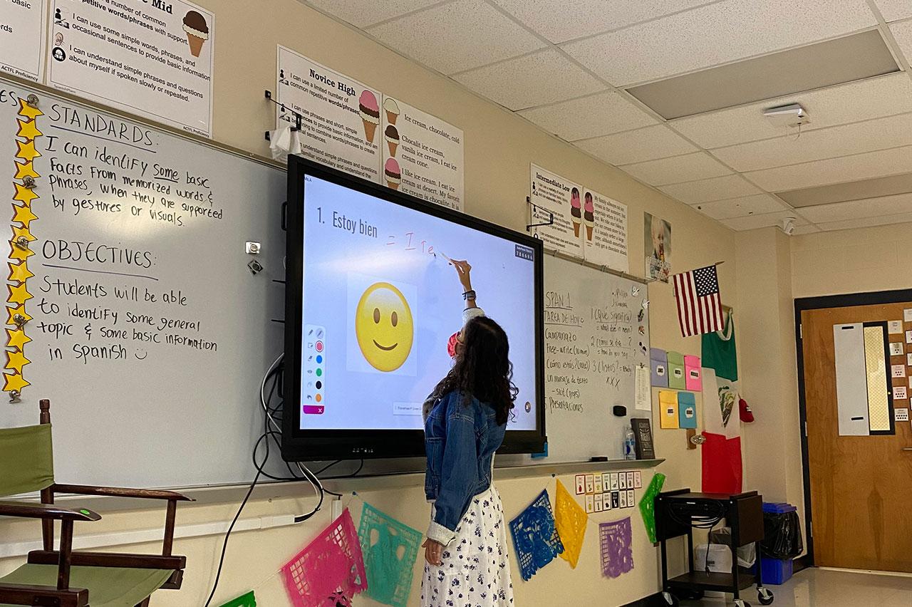 Martina Abbriano teaches Spanish in a classroom