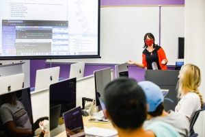 kebin xu teaches an electrical engineering class